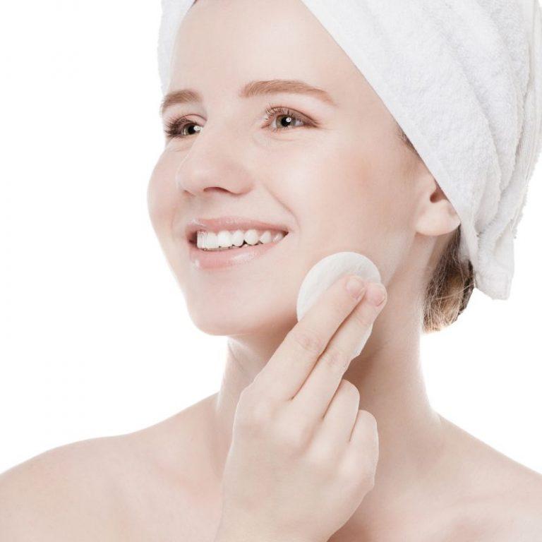 Cạo lông mặt có bị nổi mụn không? Các trường hợp nên cạo lông mặt