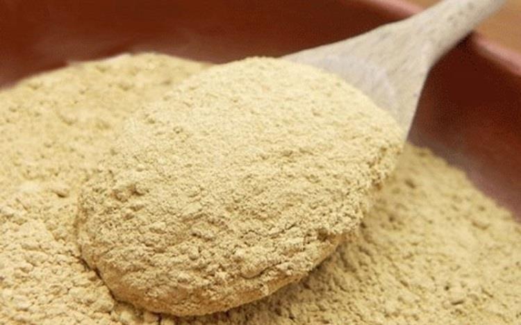 rửa mặt bằng cám gạo hàng ngày