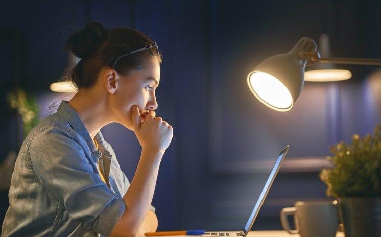 Những cách giúp bạn tránh tình trạng thức khuya