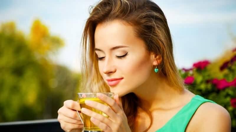 uống trà đường giúp tỉnh táo hơn