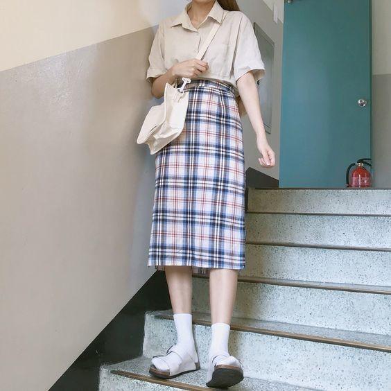 21 cách phối đồ với chân váy dài caro 6