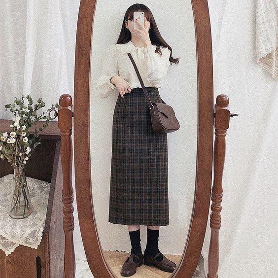21 cách phối đồ với chân váy dài caro 8