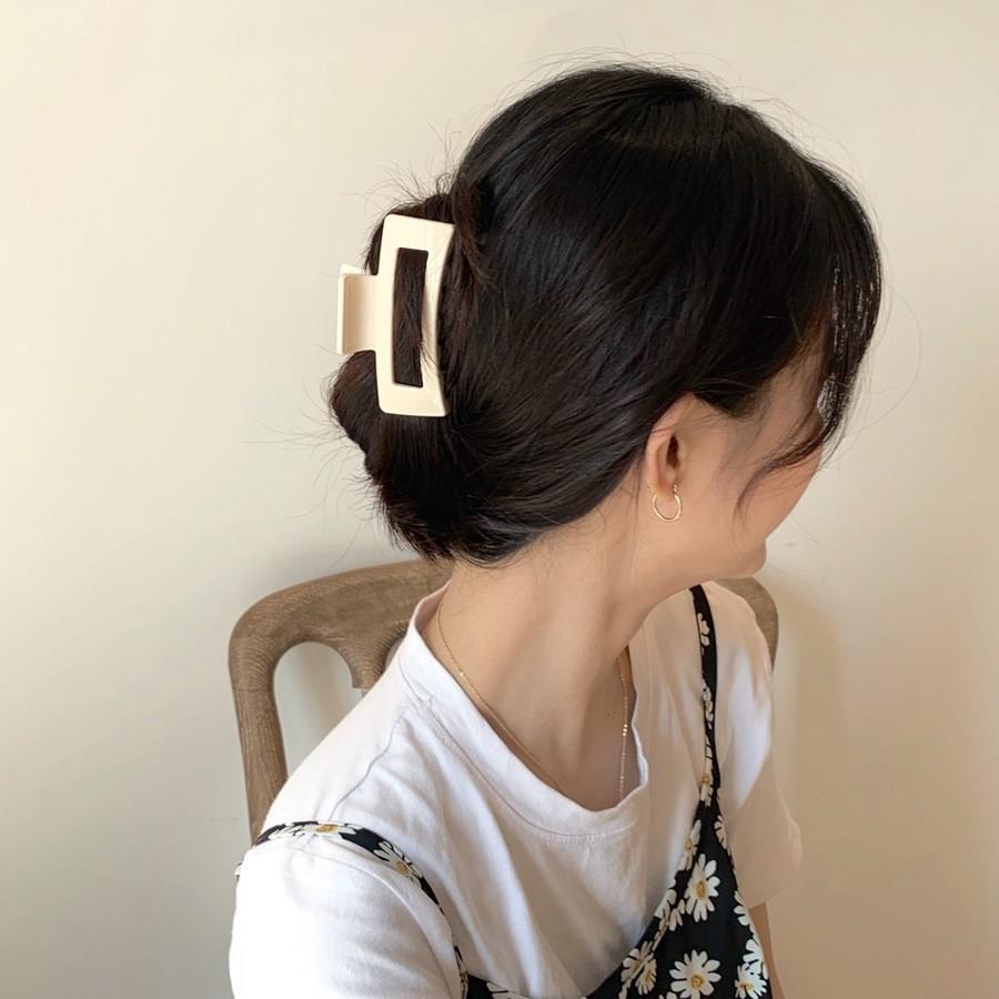 Bật mí 25+ kiểu tóc đơn giản nhưng không kém phần nữ tính 3