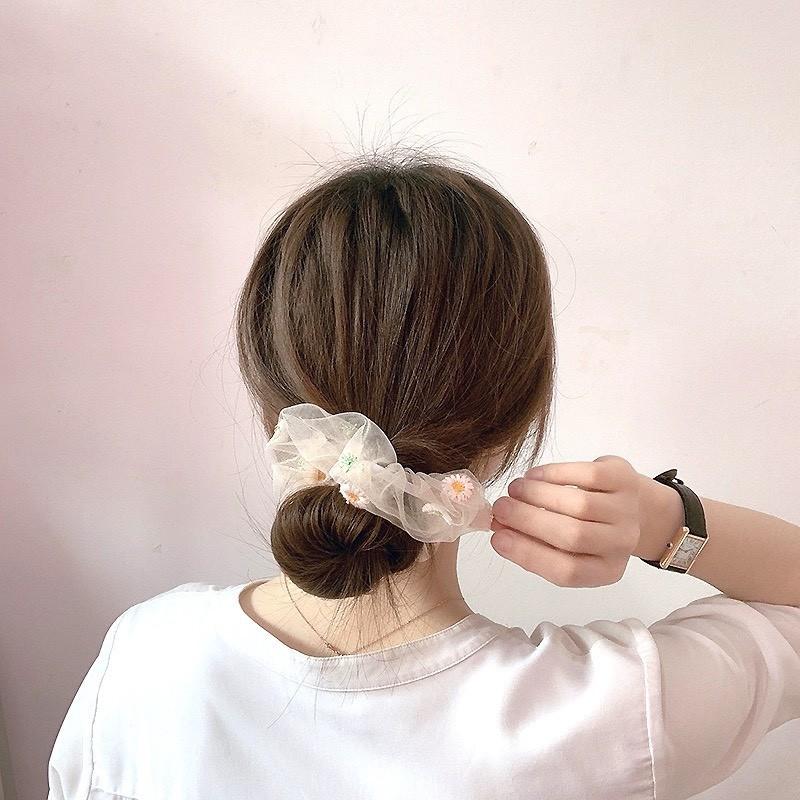 Bật mí 25+ kiểu tóc đơn giản nhưng không kém phần nữ tính 4
