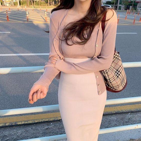 Chân váy bút chì phối với áo 17