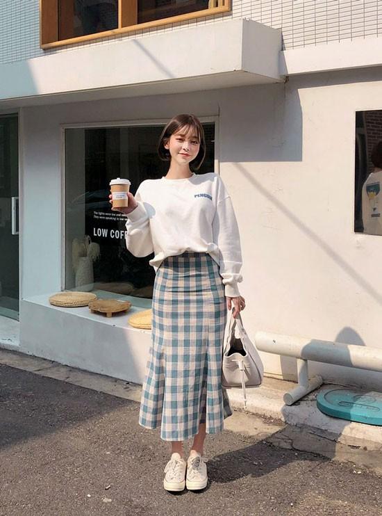 Chân váy bút chì phối với áo 18