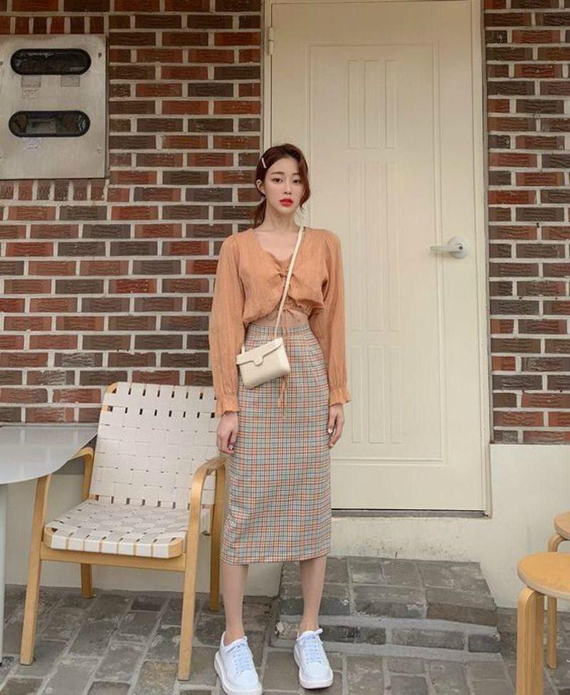 Chân váy bút chì phối với áo 9