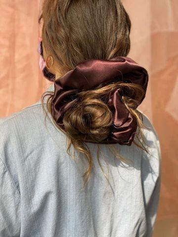 Đốn tim với 24+ kiểu tóc với scrunchies 14
