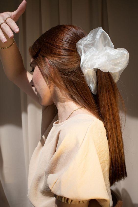 Đốn tim với 24+ kiểu tóc với scrunchies 15