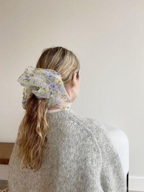 Đốn tim với 24+ kiểu tóc với scrunchies 16