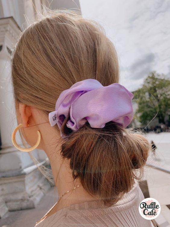 Đốn tim với 24+ kiểu tóc với scrunchies 18