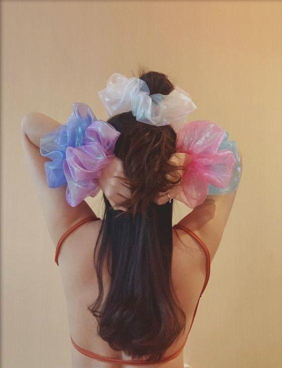 Đốn tim với 24+ kiểu tóc với scrunchies 19