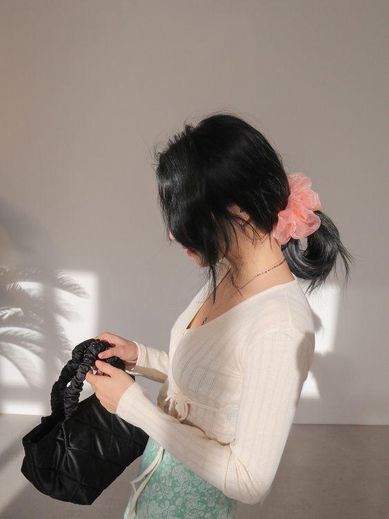 Đốn tim với 24+ kiểu tóc với scrunchies 2