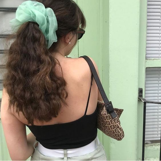 Đốn tim với 24+ kiểu tóc với scrunchies 5