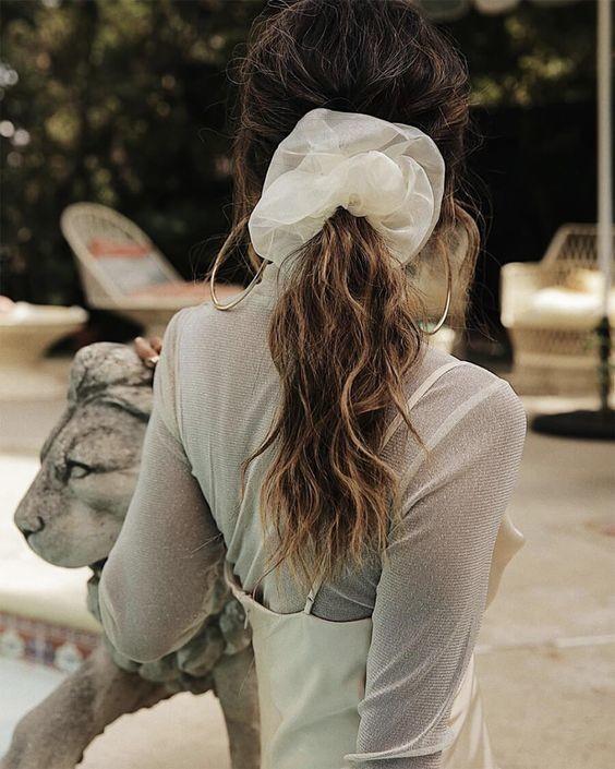 Đốn tim với 24+ kiểu tóc với scrunchies 7