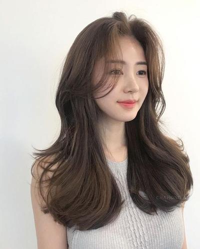 Gợi ý 4+ kiểu tóc xoăn bồng bềnh cho nàng thêm xinh