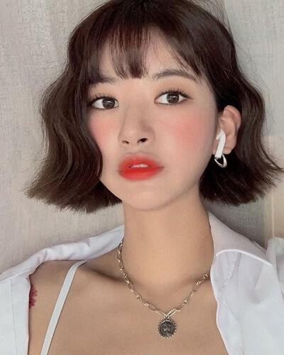 Gợi ý 4+ kiểu tóc xoăn bồng bềnh cho nàng thêm xinh 13