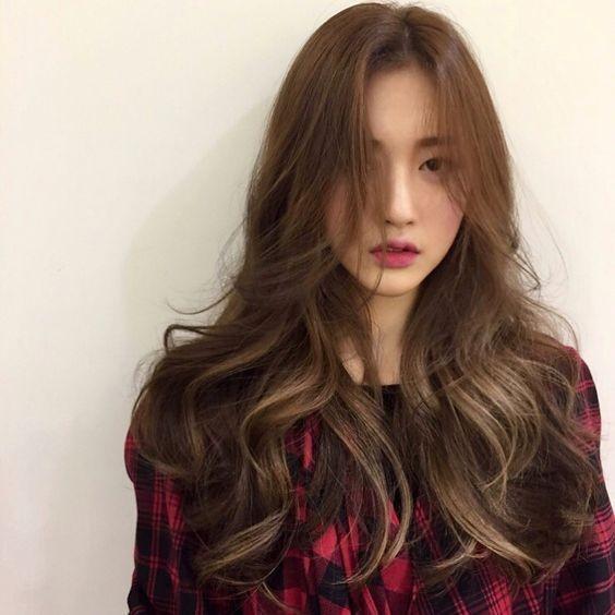 Gợi ý 4+ kiểu tóc xoăn bồng bềnh cho nàng thêm xinh 7