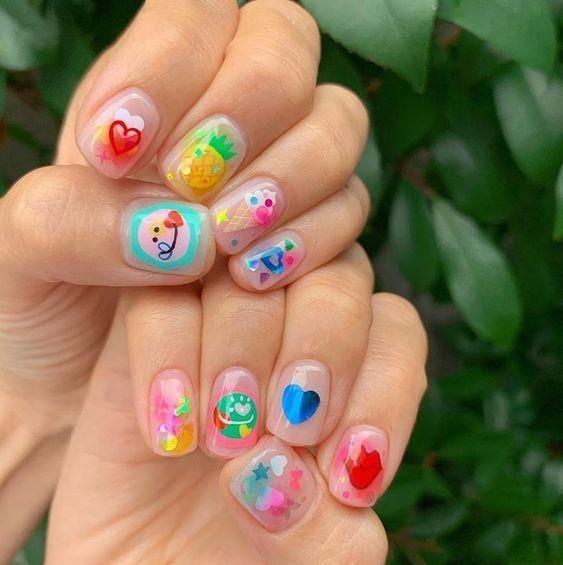 Kiểu nail màu sắc dễ thương