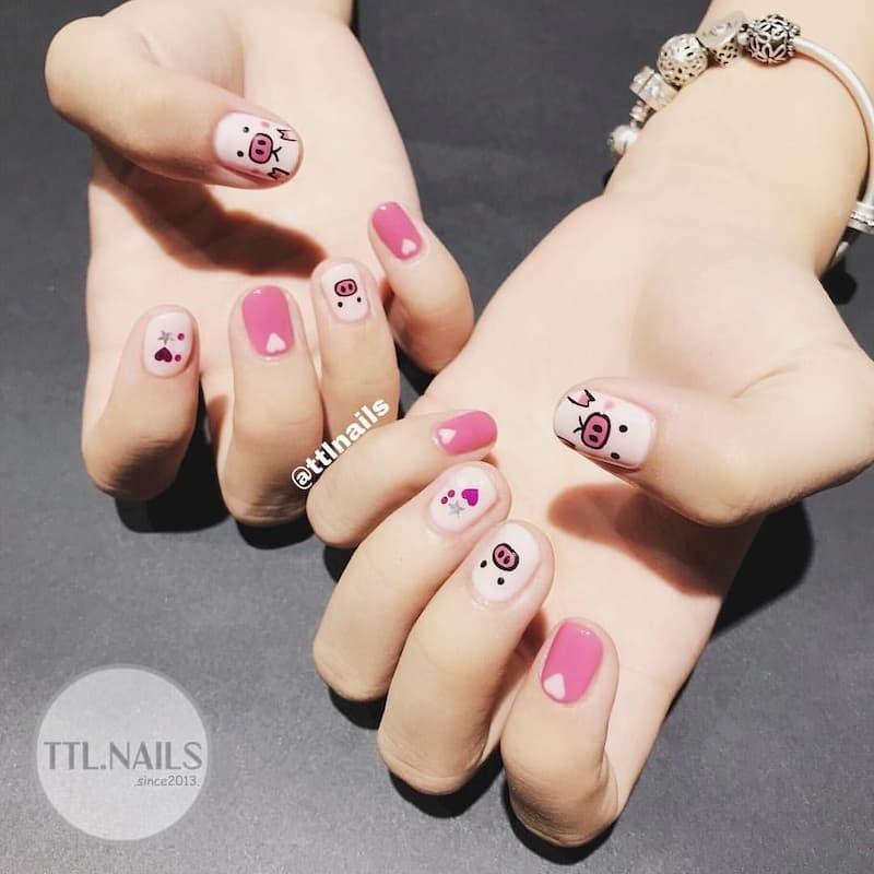 Kiểu nail hồng dễ thương