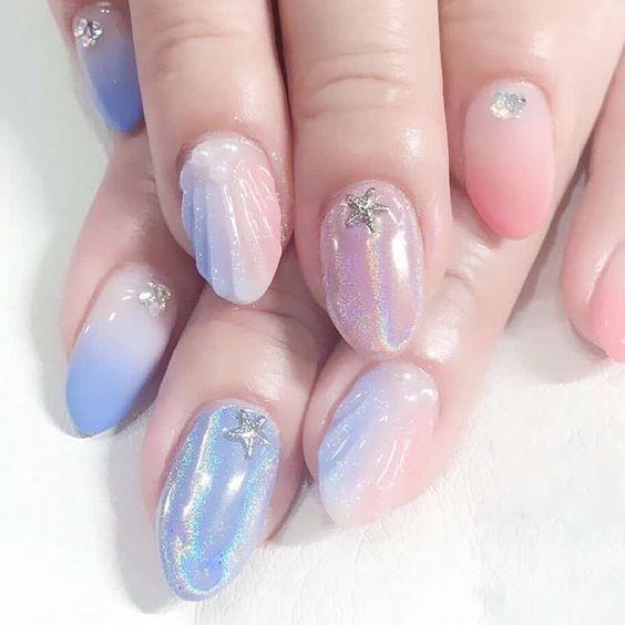 Nail đầy màu sắc