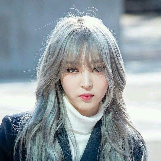 Nhuộm tóc màu bạch kim