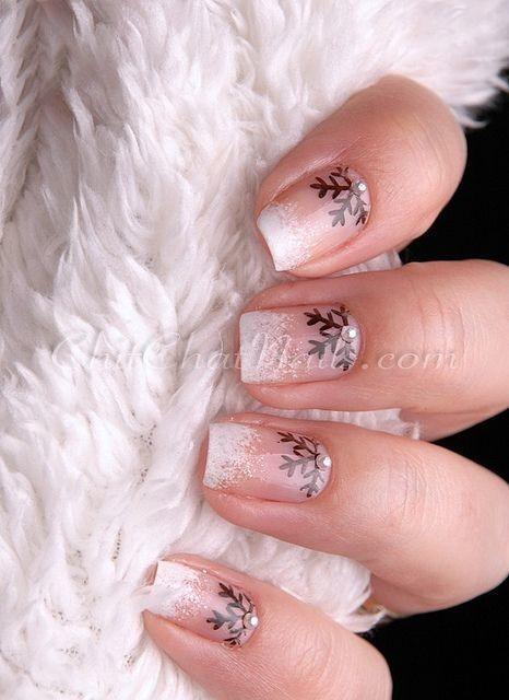 các kiểu móng tay hoa tuyết 11