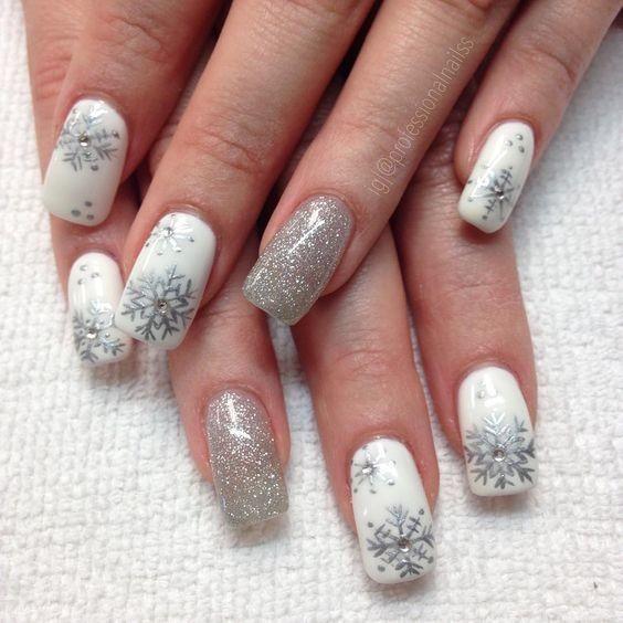 các kiểu móng tay hoa tuyết 7
