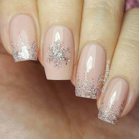 các kiểu móng tay hoa tuyết 8