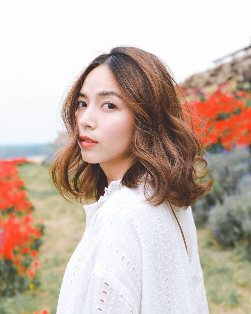 Kiểu tóc ngắn xoăn thời thượng 10