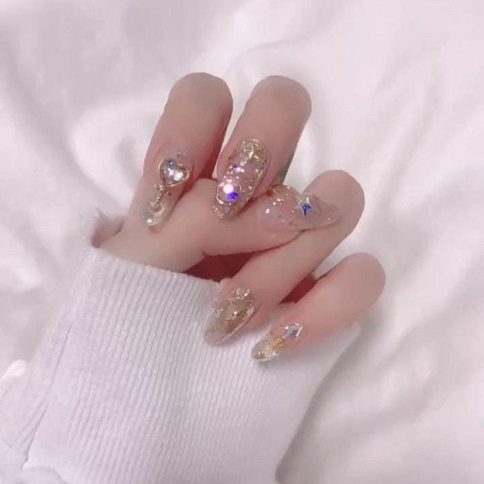 Mẫu nail phong cách nhẹ nhàng 14
