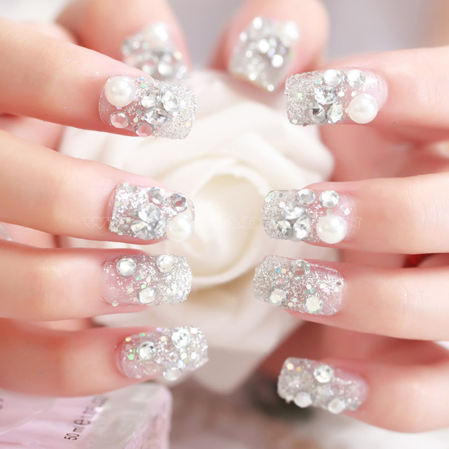 Mẫu nail phong cách nhẹ nhàng 7