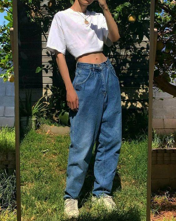 Mix áo thun trắng và quần jeans 12