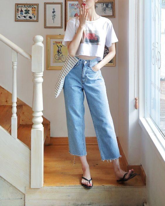 Mix đồ với áo thun trắng và quần jeans 14