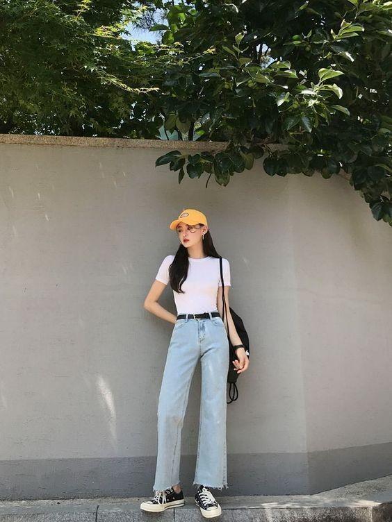 Mix áo thun trắng với quần jeans 15