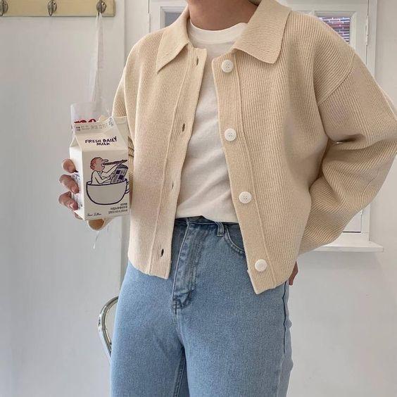 Mix áo thun trắng và quần jeans 16