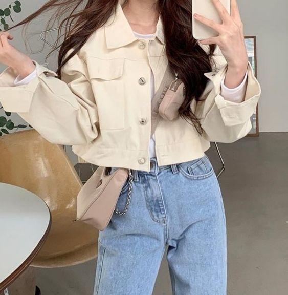 Mix áo thun trắng và quần jeans 17