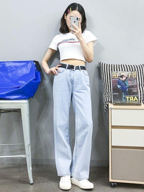 Mix áo thun trắng và quần jeans 7