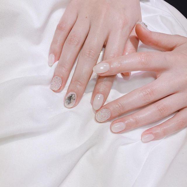 Nail trắng ngọc trai 14