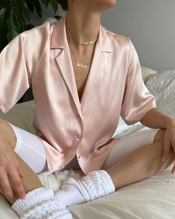 Trang phục satin bóng 24