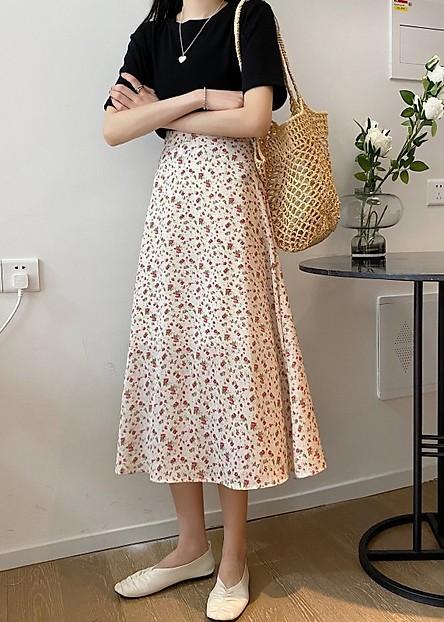 Áo phông + Chân váy dài 2