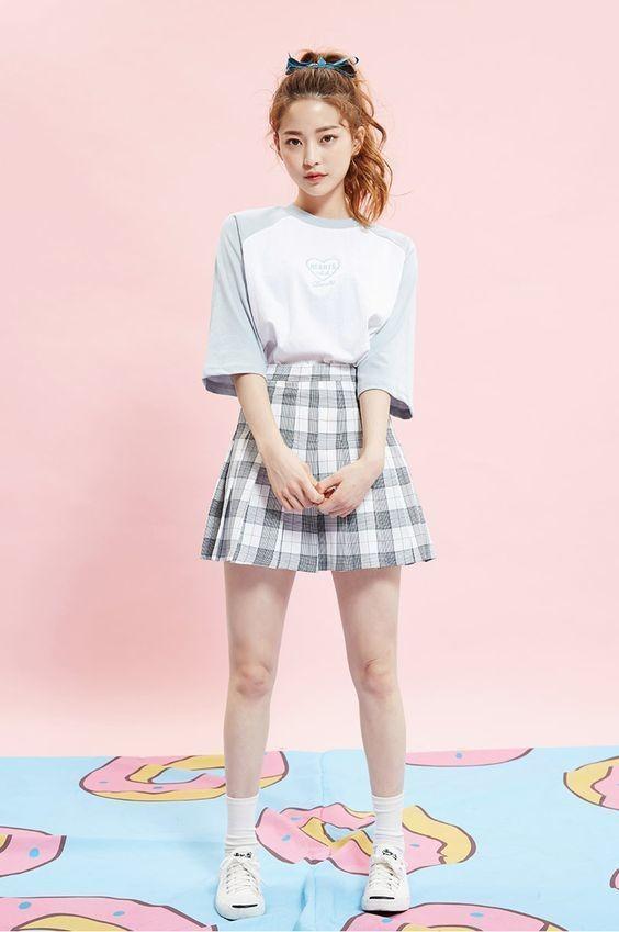 Áo phông + Chân váy ngắn 6