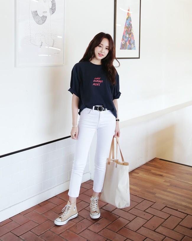Áo phông + quần jeans 2