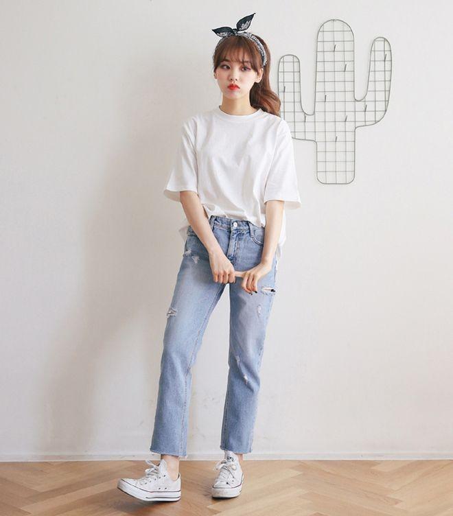 Áo phông + quần jeans 3