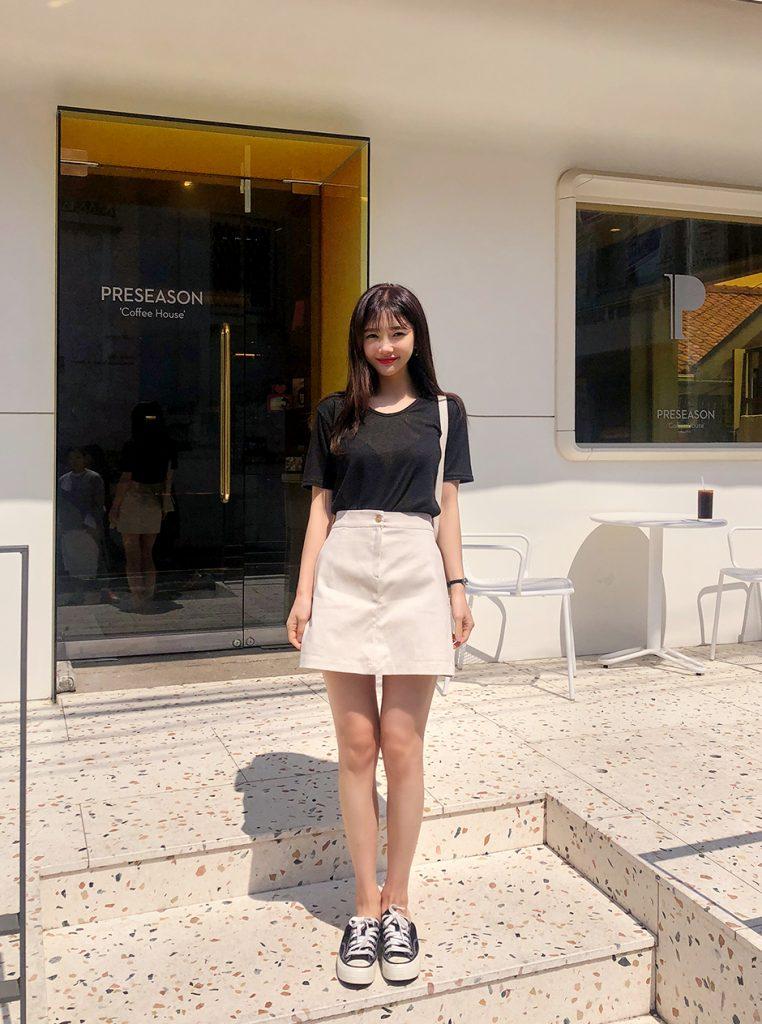 Áo phông + Chân váy ngắn 9