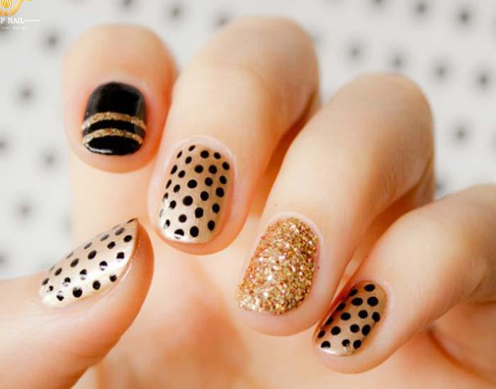 Mẫu nail chấm bi đẹp và dễ thương 15