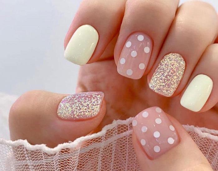 Mẫu nail chấm bi đẹp và dễ thương 18