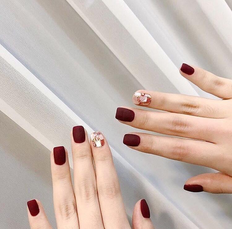 Mẫu nail đỏ rượu 8