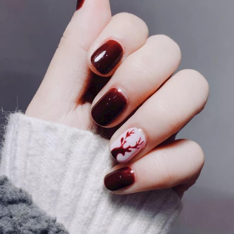 Mẫu nail đỏ rượu 9