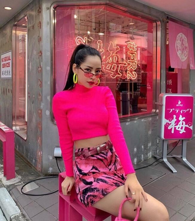 phối đồ với trang phục màu hồng_10